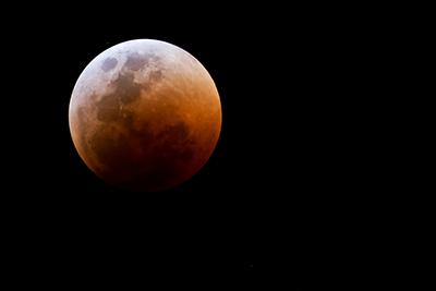 Lunar Eclipse in Aries — October 8, 2014
